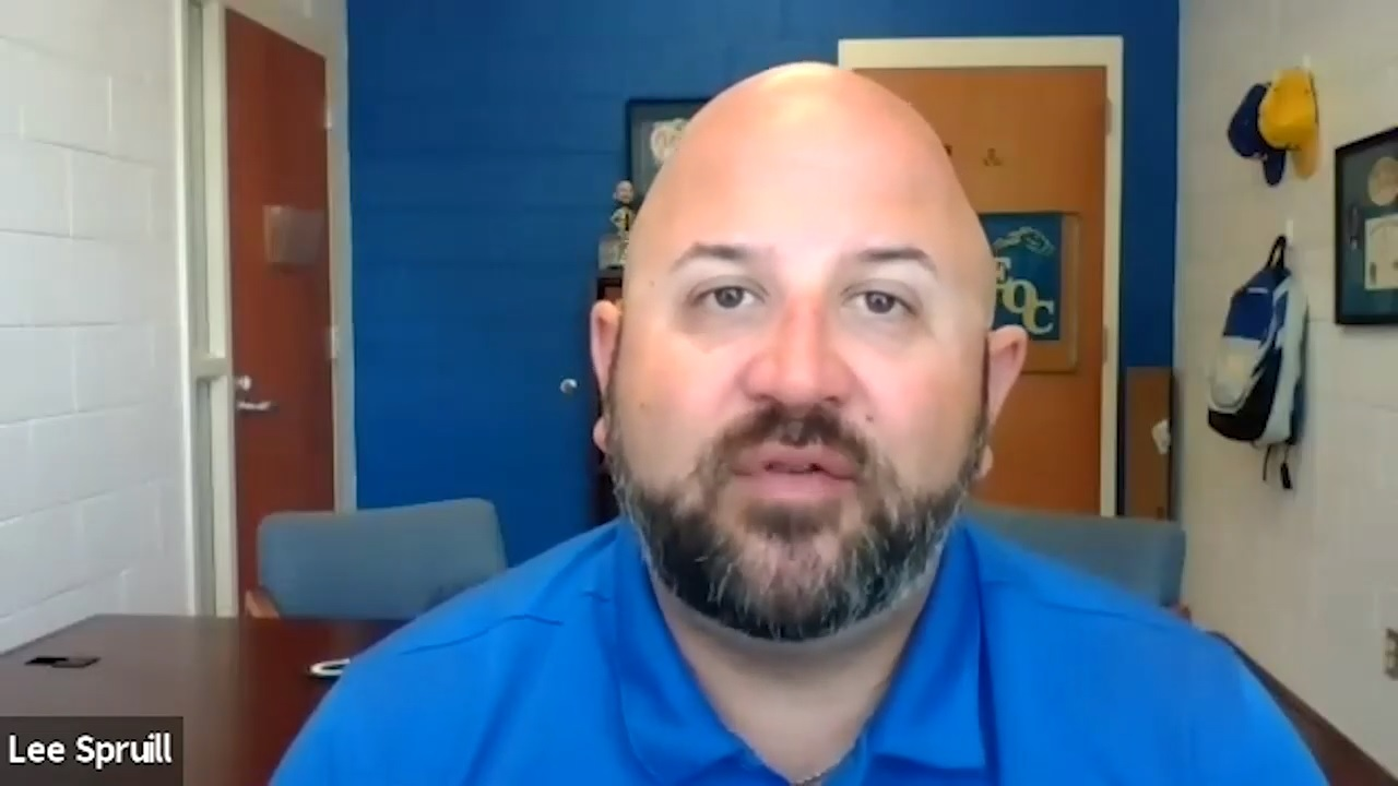 Principal in NC Shares How He Maintains Consistent Communication with Parents